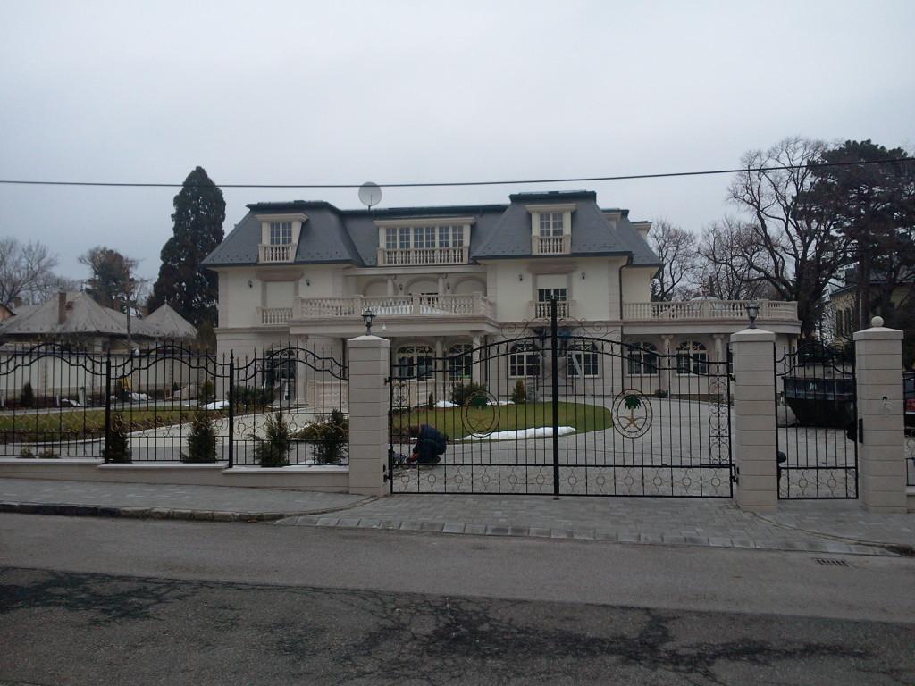 Szaudi követség és Villa Budapest